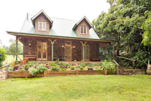 BUNYA MOUNTAINS - COLONIAL COTTAGE